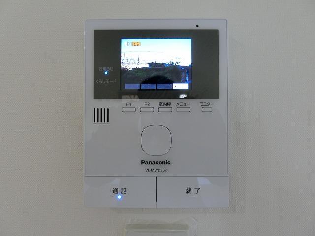 【同社施工例写真】TVモニター付の為来客時も安心。