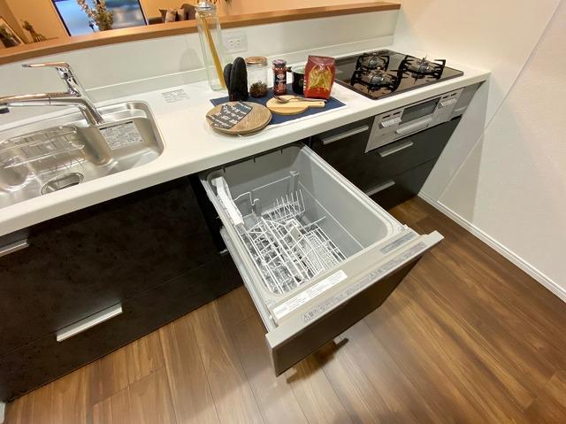 \同仕様写真/食器洗浄乾燥機付き!食事の後片付けもラクラク!