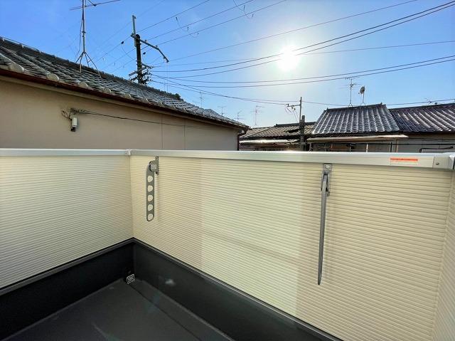 バルコニーは日当たり良好なので洗濯物が良く乾きます