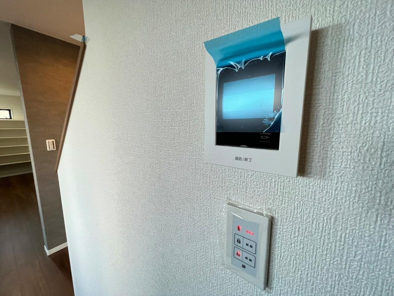 \同社施工例/女性やお子様に嬉しいTVモニター付きインターホン付インターホン
