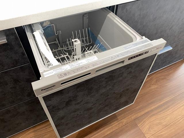 食器洗浄乾燥機搭載システムキッチンで洗い物の負担も軽減されますね