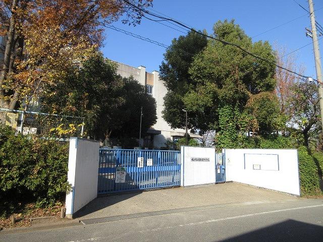 東香里中学校