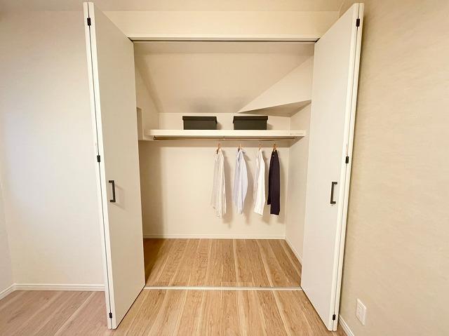 \同仕様写真/収納スペース充実♪たくさんお荷物を収納出来て、いつでもすっきりと片付いたお部屋をキープ出来ますね♪